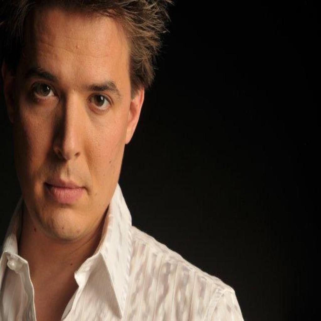 Emanuel Grand - Singer & Songwriter
